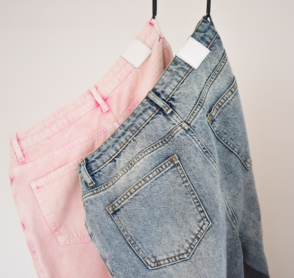 Denim pants loose fit i neonpink stonewashed