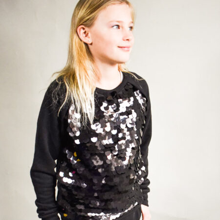Sort festlig pailliet sweatshirt i lækker kvalitet