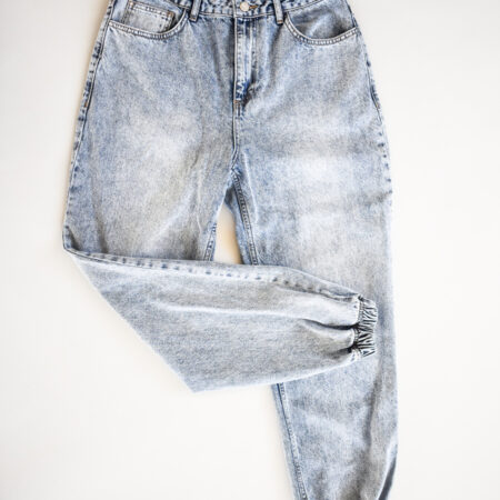 Denim pants loose fit i blå stonewashed jeanskvalitet