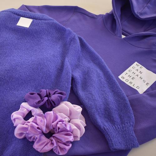 Trendy lilla hoodie eller hættetrøje med statement til tweens