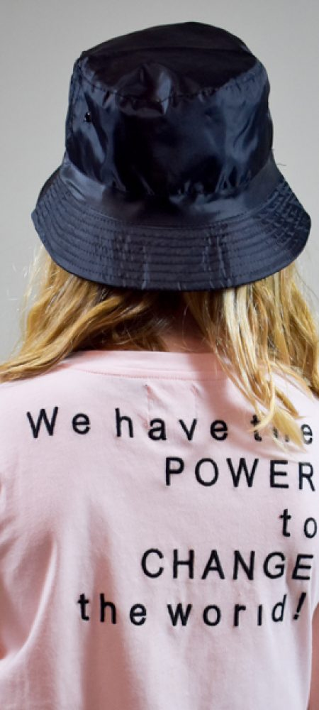 Pastel pink t-shirt med statement til tweenpiger i bomuld